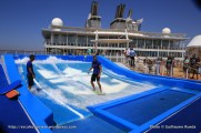 Allure of the Seas - Pool and Sports zone - Simulateur de surf Flow Rider