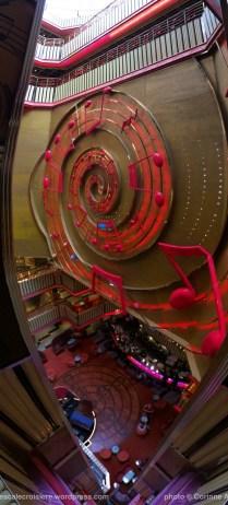 Costa Pacifica - décoration sur le thème de la musique - Atrium (1)