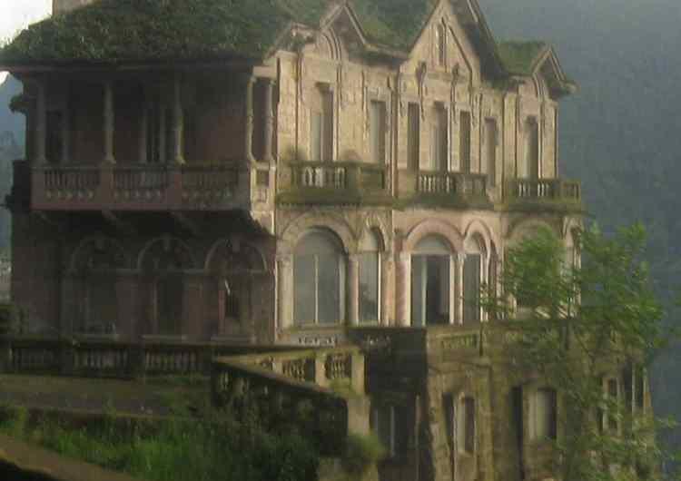 El Hotel del Salto en Colombia: la mansión encantada.