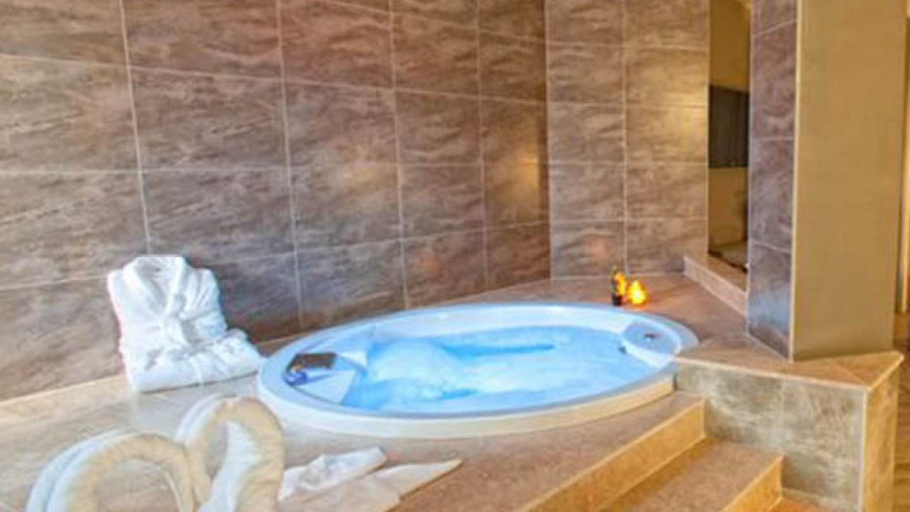 Jacuzzi Exterior Sevilla.10 Hoteles Con Jacuzzi En La Habitacion Que Visitar En Espana