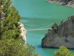 Puente colgante en la ruta de las pasarelas