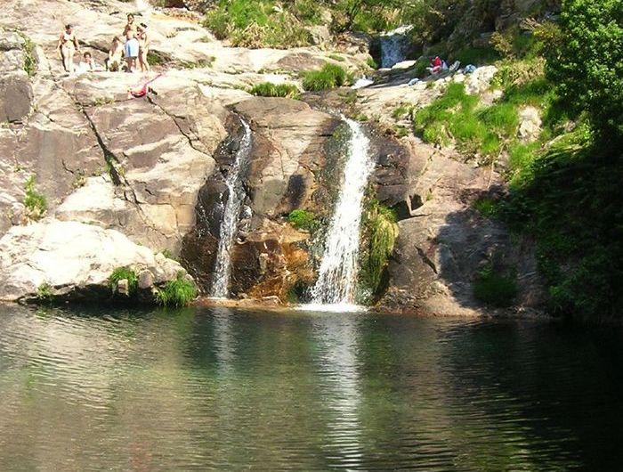 Pozas de Mougás: una piscina natural en la Sierra de Groba (Pontevedra)