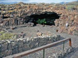 exterior cueva de los verdes