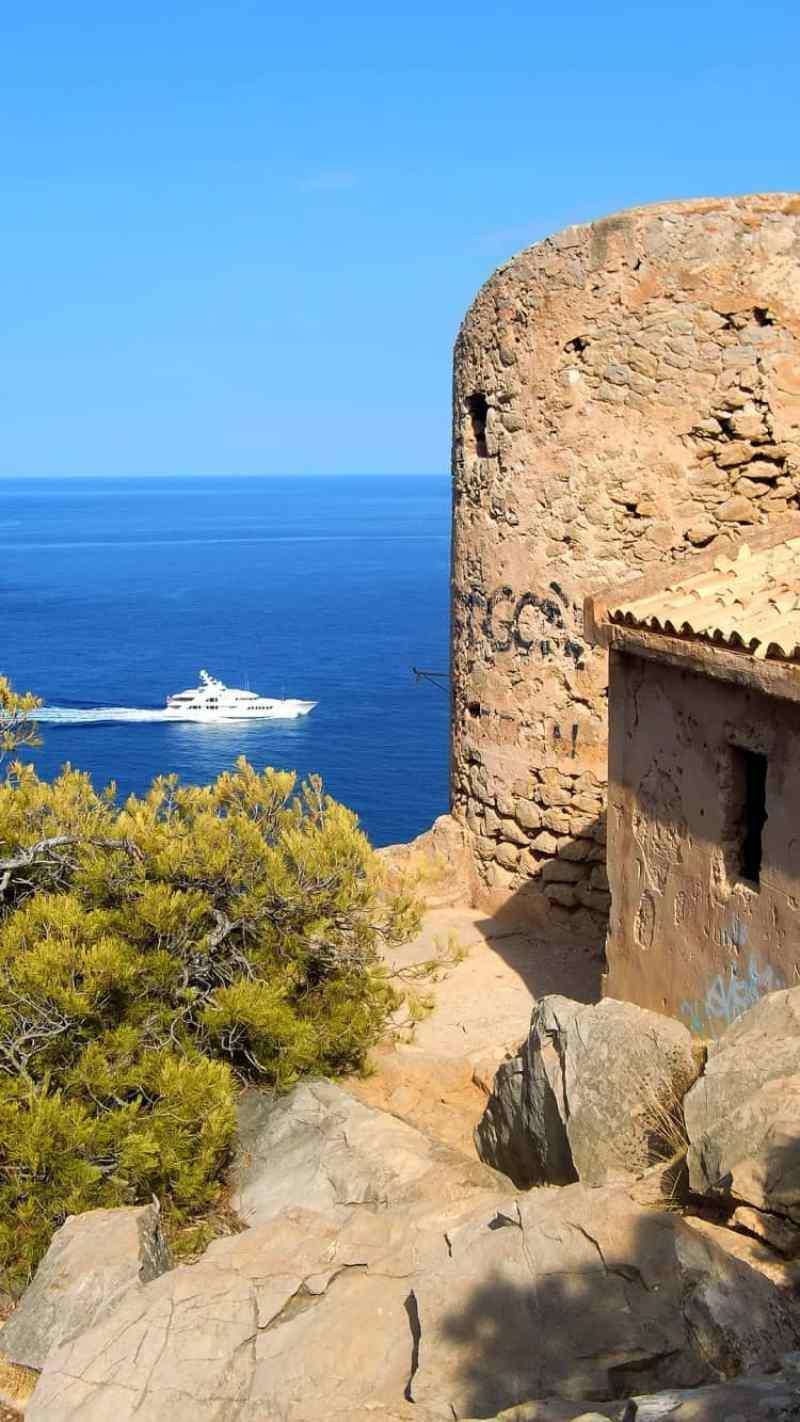 castillo de Cala en Basset
