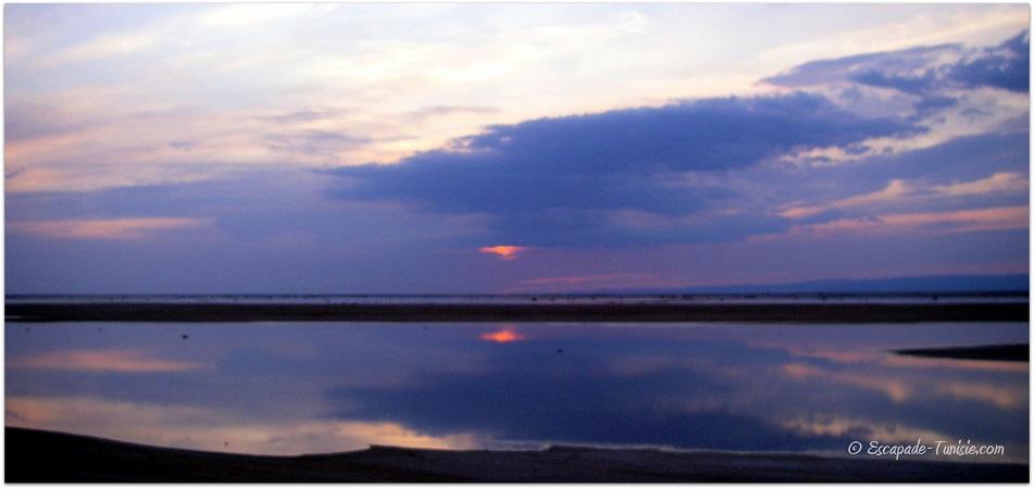 lac salé coucher de soleil