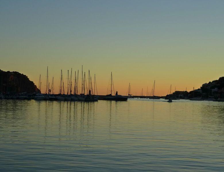 Majorque : une soirée au port d'Andratx.