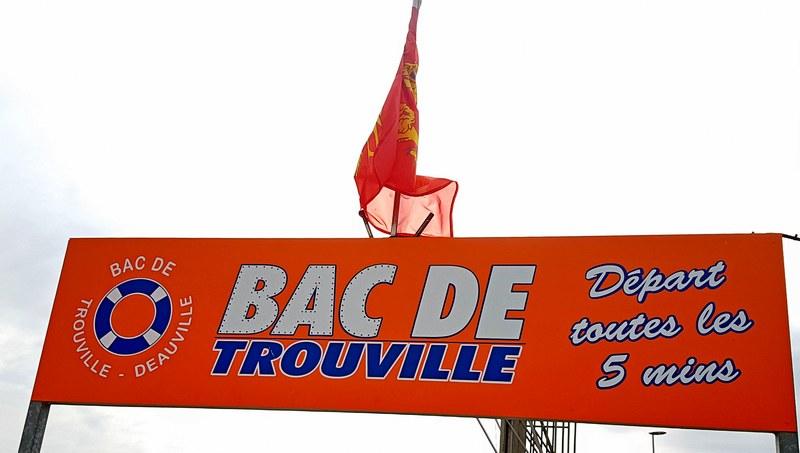 La Touques et le bac de Trouville