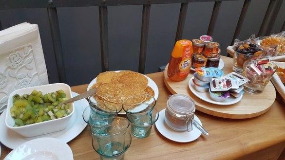 petit déjeuner chambre de l'arbre Lens