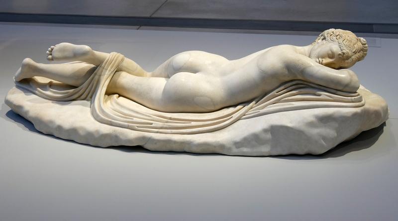 Musée du Louvre-Lens la galerie du temps