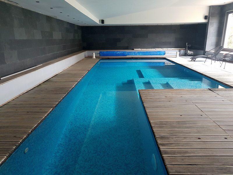 Clos du miroir Courset piscine intérieure