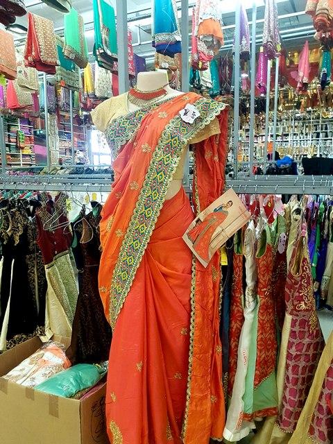 magasins quartier tamoul la courneuve saris