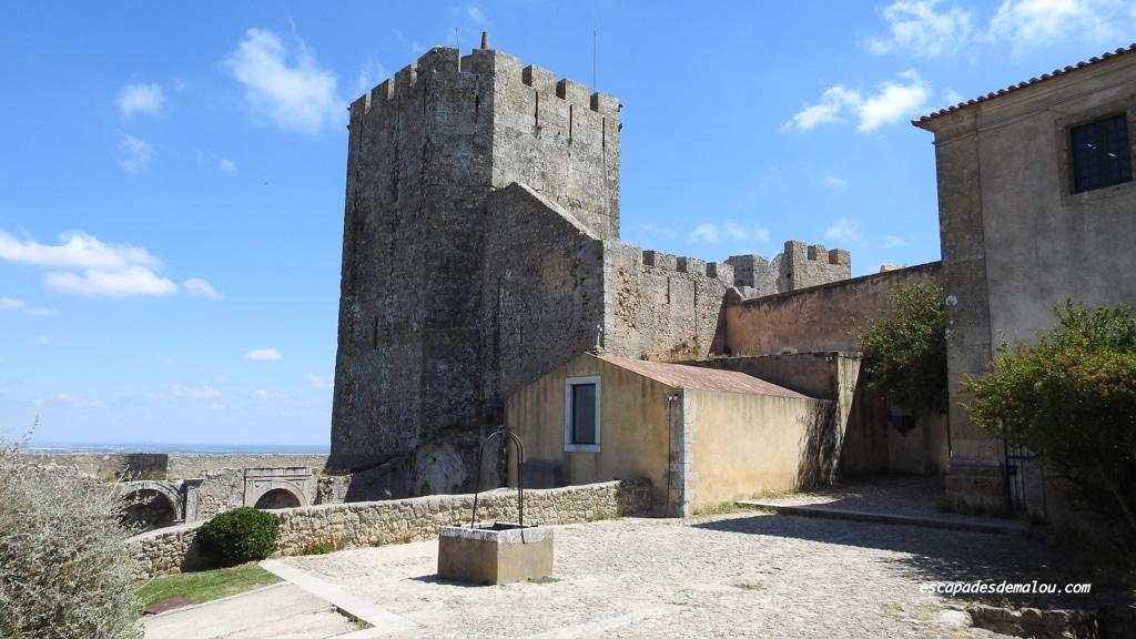 https://escapadesdemalou.com/2018/01/le-chateau-de-palmela/