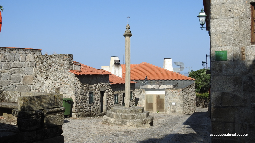 https://escapadesdemalou.com/linhares-da-beira-village-historique-du-centre-portugal/