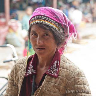 Regard de femme Akha - marché de luang namtha