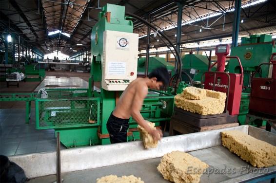 usine de chup - pesage des ballots