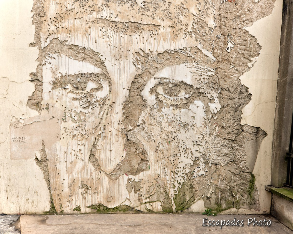 Vhils - sculpture au burin - Paris 13e