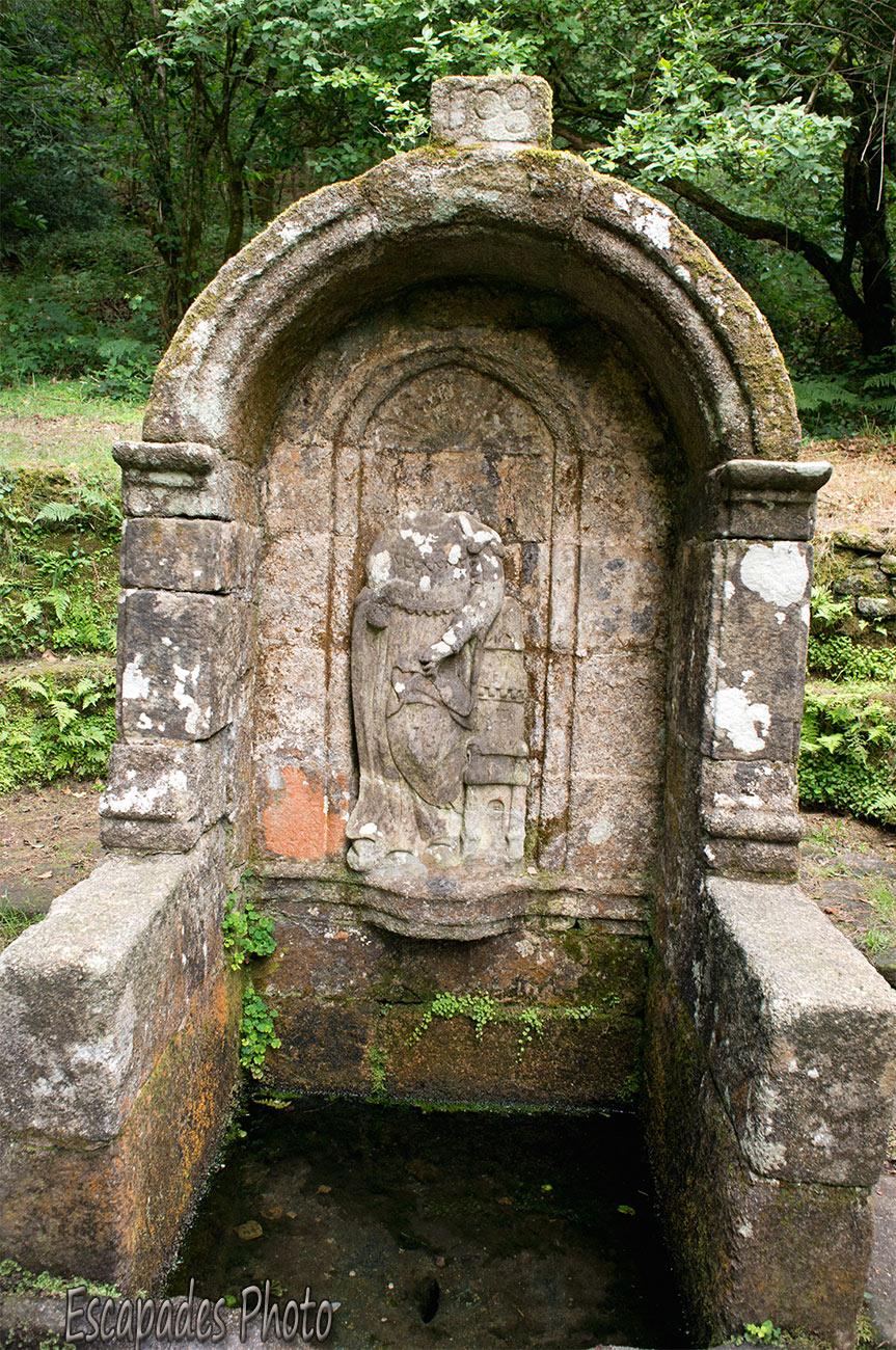 Read more about the article Sainte-Barbe – fontaine votive – Le Faouët