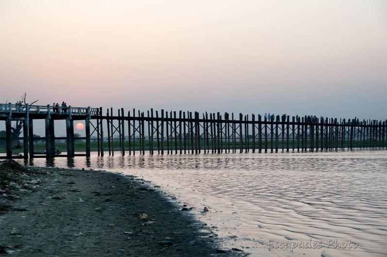 Pont d'U Bein - le soleil tire sa révérence