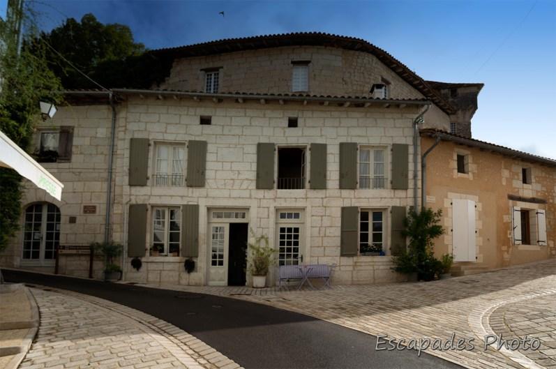 Maison particulière à Aubeterre-sur-Dronn