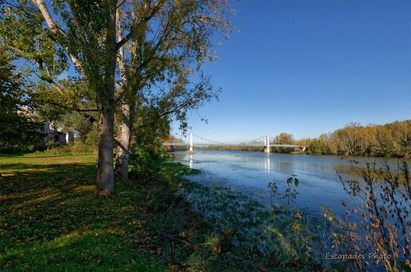 Auvillar - rives de la Garonne et le pont