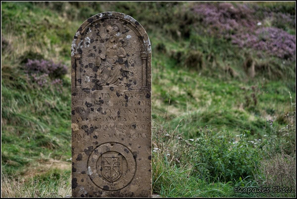 Ronceval : Le monolithe symbolise l'épée Durandal