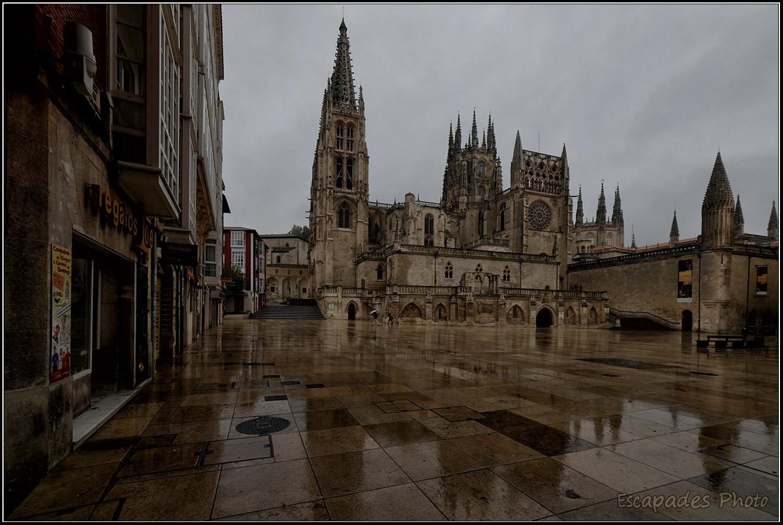 BURGOS – cathédrale et arc Sainte-Marie