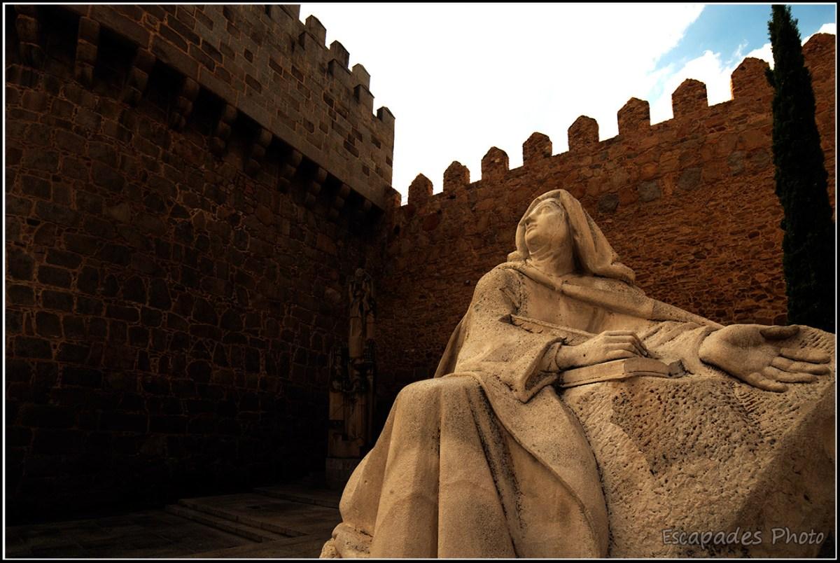 Avila, la muraille ou regards extra-muros