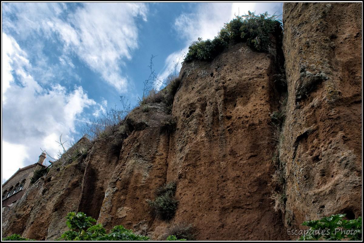 Les falaise de Civitaé di Bagnoregio -