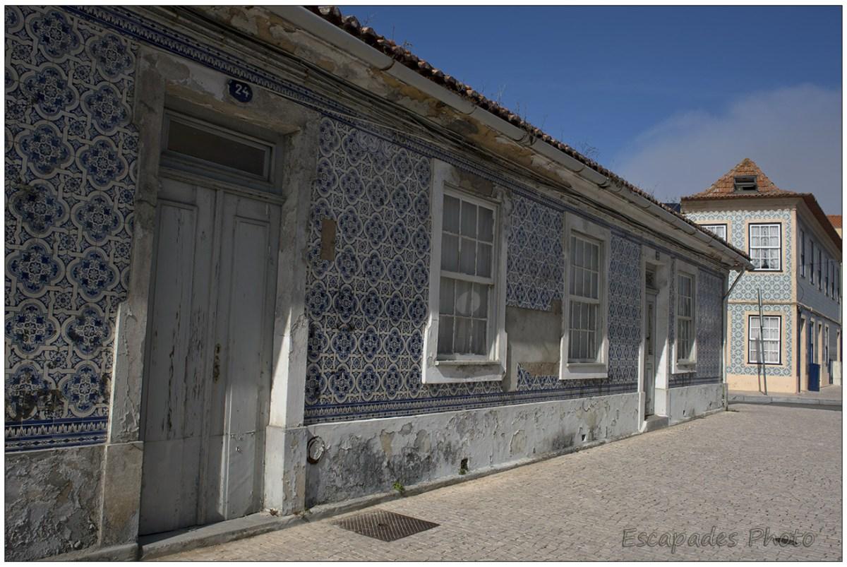 Façades anciennes en Azuleijos qui donnent tout le charme à la ville