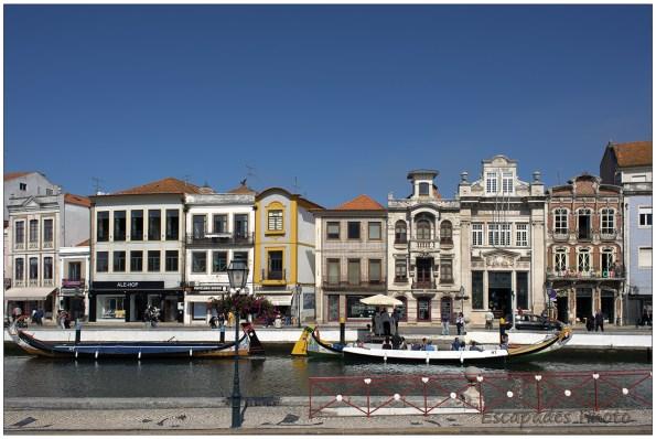 Read more about the article Aveiro, lagune, canaux, azuleijos et moliceiros
