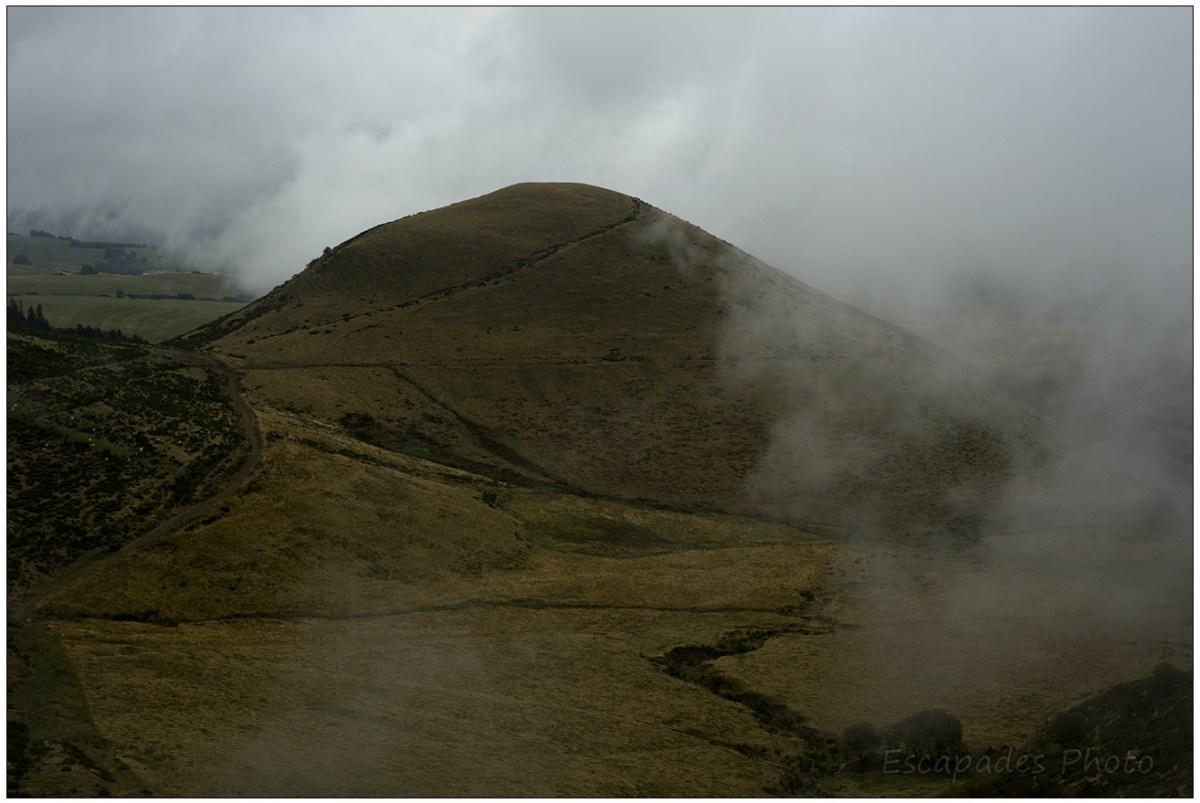 Paysage de Puy près du col de la Croix Morand en direction de Chambon-sur- lac