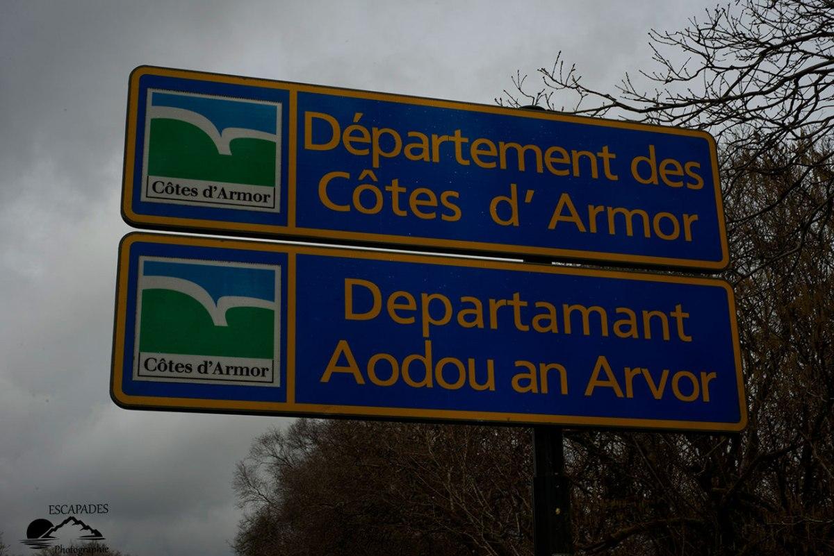 Le cours de l'Ellé nait dans les Côtes d'Armor