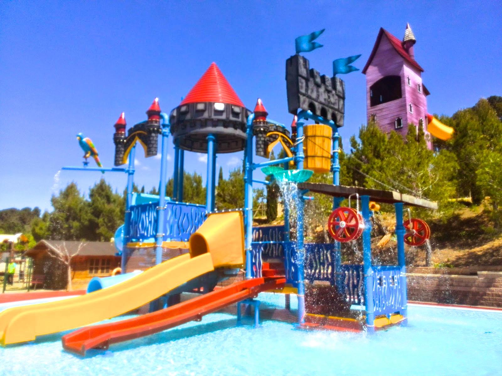 Hoteles con toboganes acu ticos segunda parte escapat for Camping con piscina climatizada en tarragona