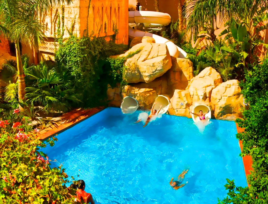 Hoteles con toboganes acu ticos escapat for Hoteles en huelva capital con piscina