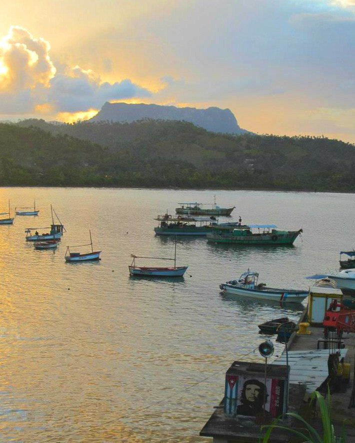 Baracoa mit dem Tafelberg El Yunque