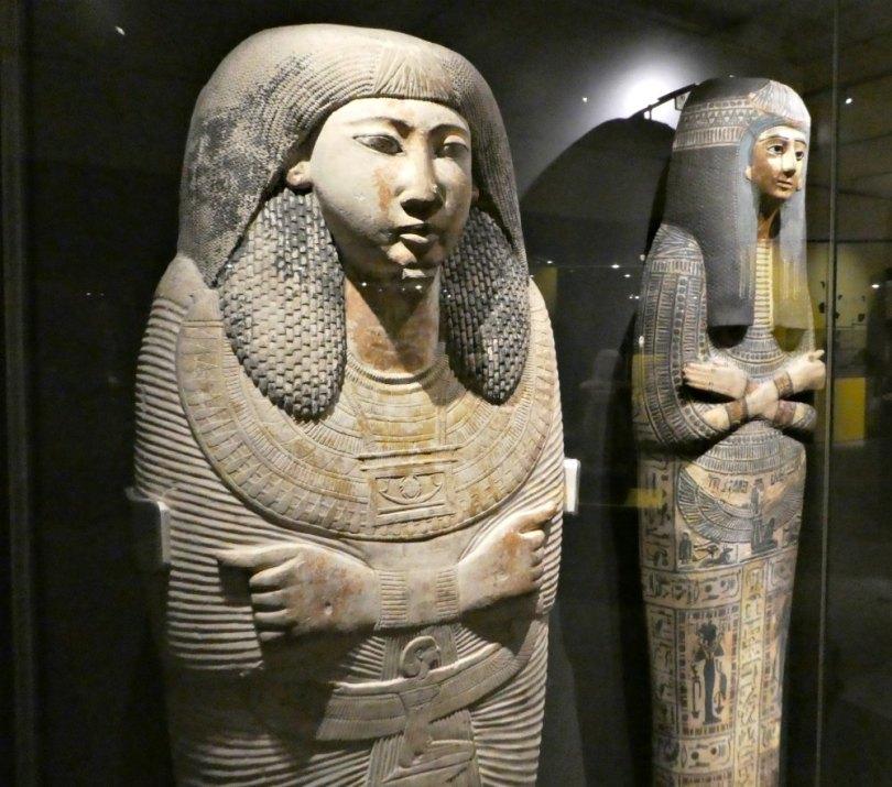 Sarkophage in der Ramses Ausstellung