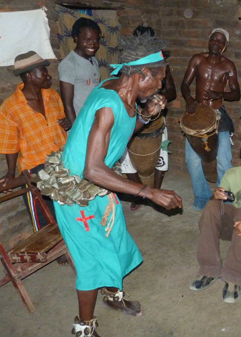 Zu Besuch beim Medizinmann in Malawi
