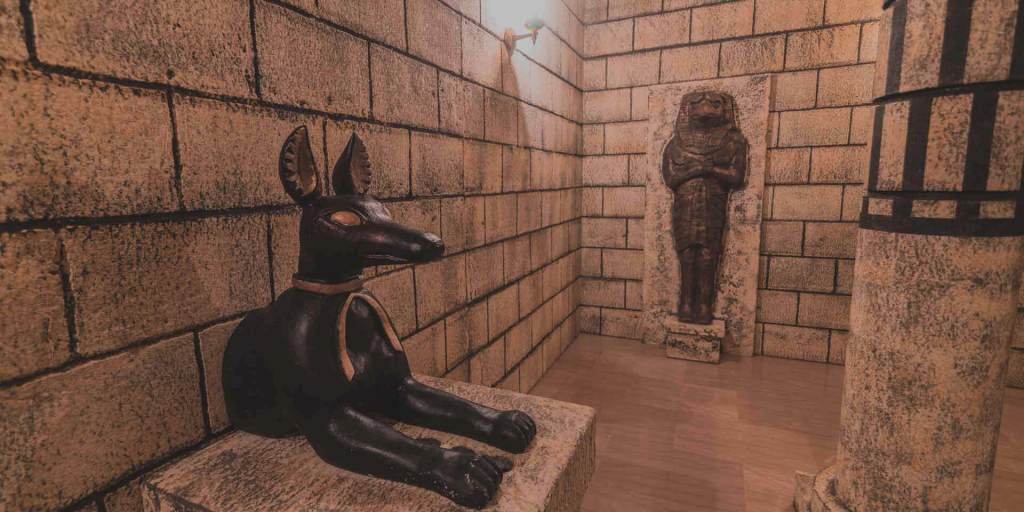 tutankhamuns tomb - escape room