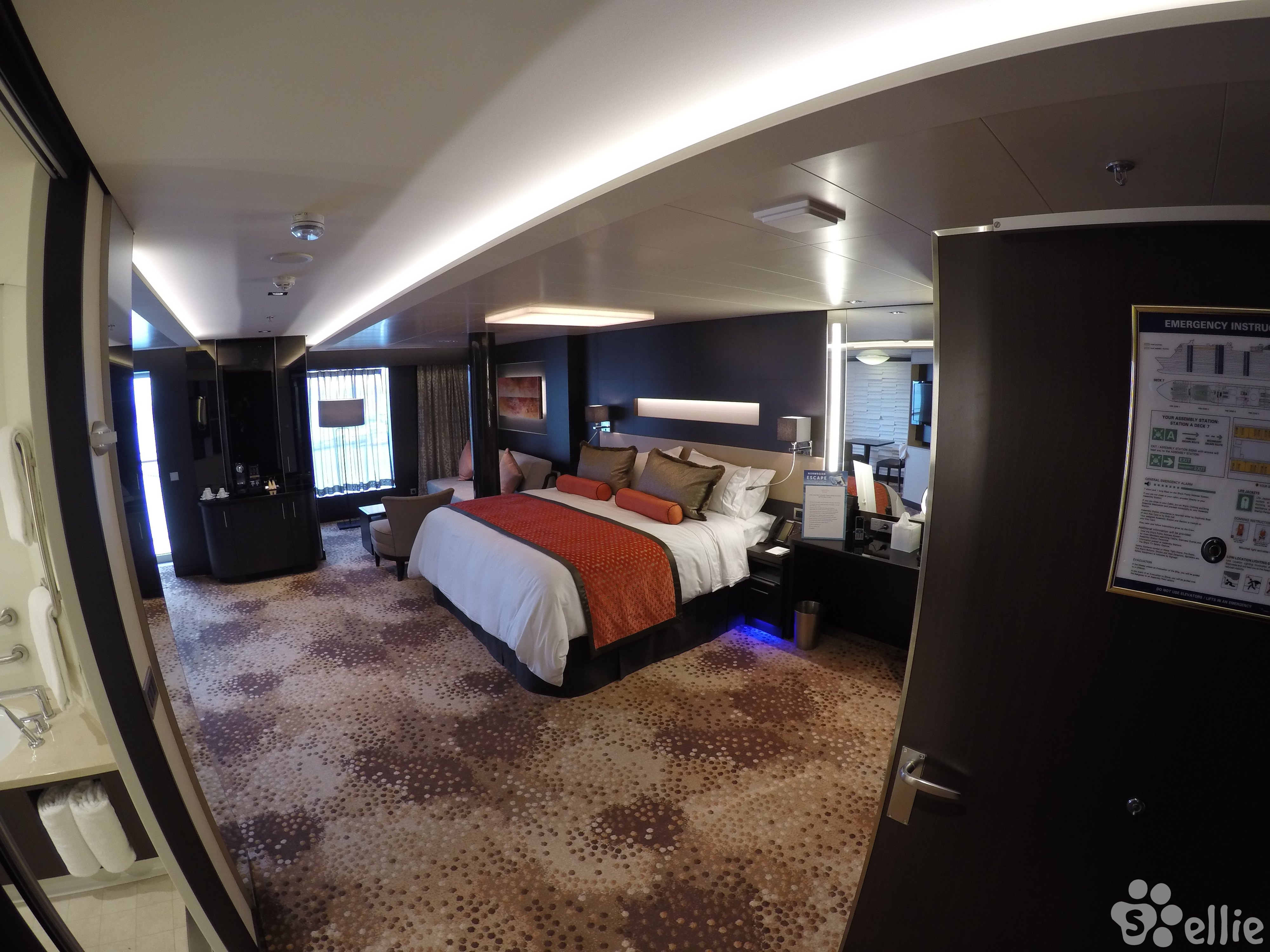 H5 Courtyard Penthouse Disabled 17126 Norwegian Escape