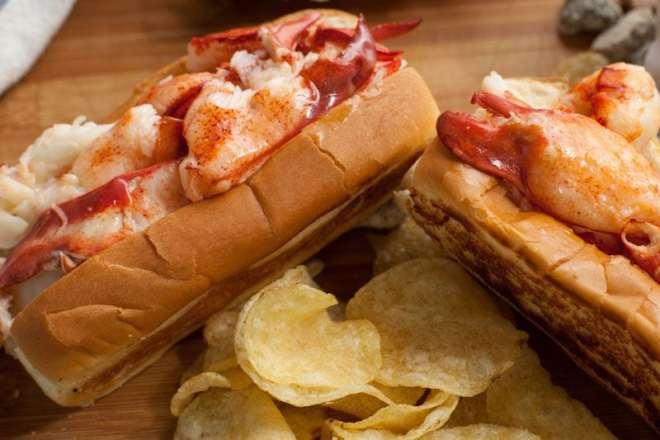 cm lobster roll