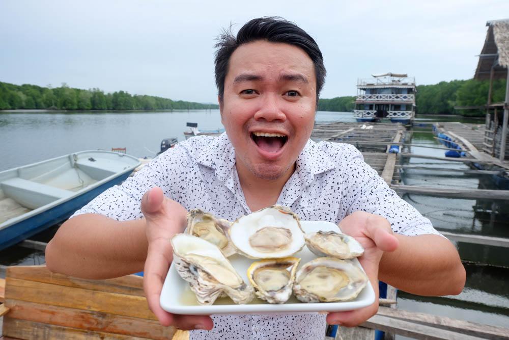 Fresh oysters from Bakau Hijau Sungai Merbok, Kedah