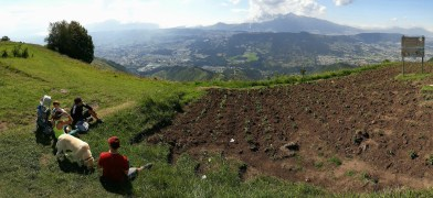 Tramo 4 - descansando en la cumbre con vista 360° a la cordillera de los Andes