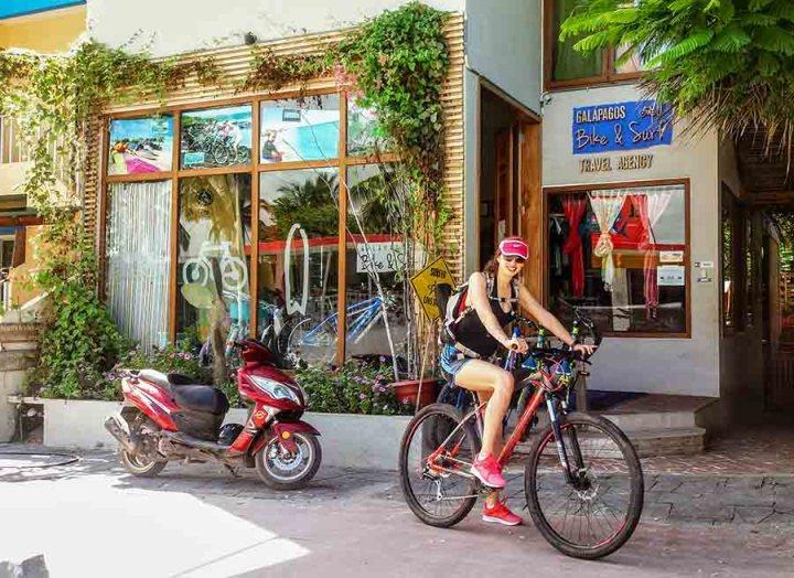puerto villamil en bicicleta