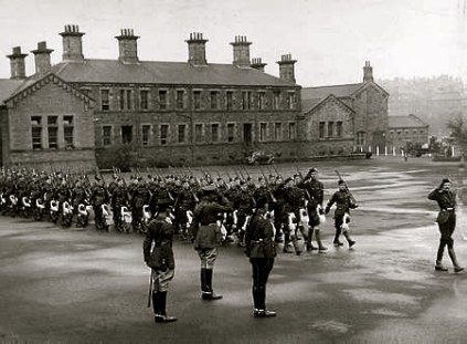 Maryhill barracks photo with Highlanders