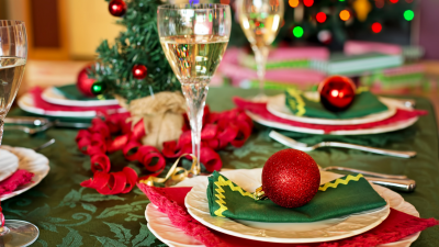 how to stay healthy through the holidays, healthy eating, healthy traveling tips, holiday tips