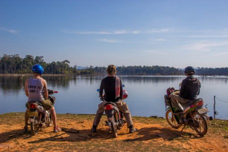 The BLC Riders at the reservoir close to Nakai.