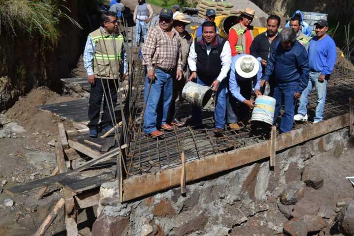 Supervisa gobierno de Tzompantepec ejecución de Obra Pública 2019.