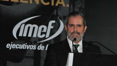 """Photo of """"Más vale trabajar por la excelencia y quedarse cortos a trabajar en la mediocridad y sobrepasarse"""": Miguel Aliaga."""