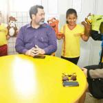Vereador de Macapá conhece Programa Escola da Inteligência e se emociona com depoimentos de alunos, professores e pais