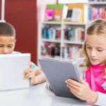 Veja como aprender idiomas beneficia as crianças